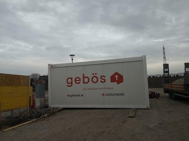 Container mit Einrichtung